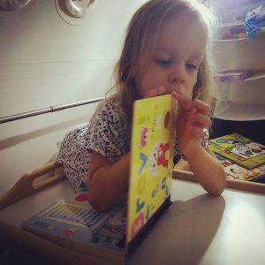 maladie rare, Maladie rare: Ophélie, une enfant unique et sa chambre hyperbare